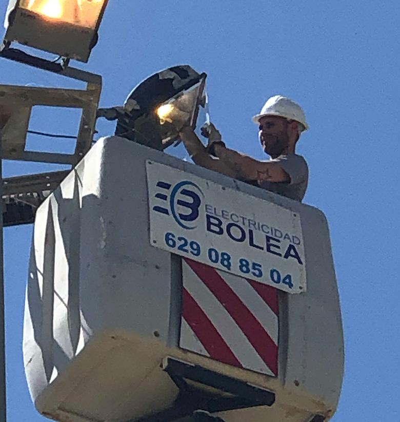 alumbrado-mantenimiento-electricidad-bolea